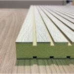 Dalles de plafond en bois